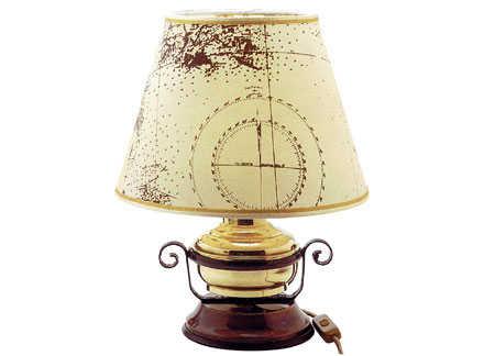 Plafoniere Con Base In Legno : Lampada con base in legno e paralume decorato